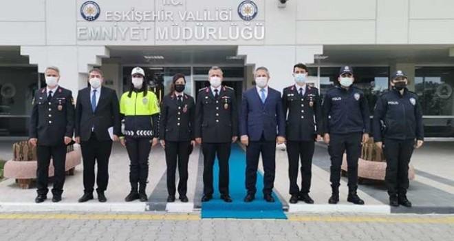 JANDARMA OMUZ OMUZA GÖREV YAPTIĞI POLİS TEŞKİLATINI UNUTMADI
