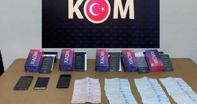 KAÇAK CEP TELEFONU SATAN ŞAHSA POLİS OPERASYONU