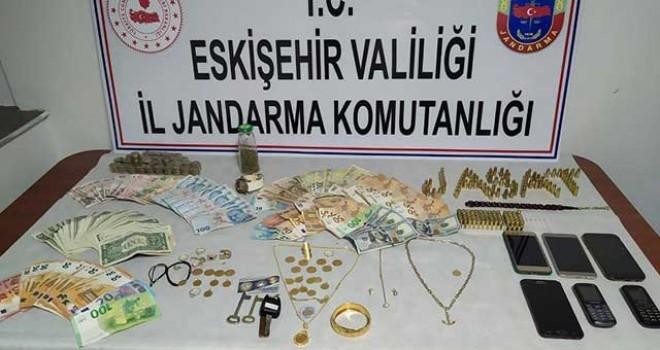 EVLERİ SOYAN HIRSIZLARA JANDARMA OPERASYONU